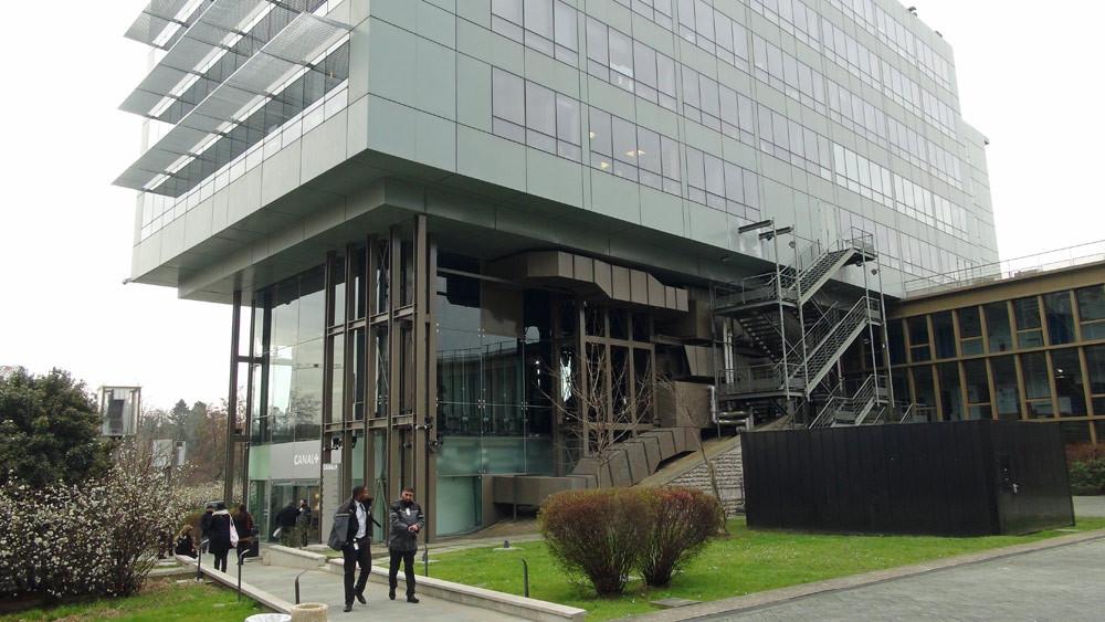 """Le bâtiment du studio de """"La Nouvelle Edition"""""""