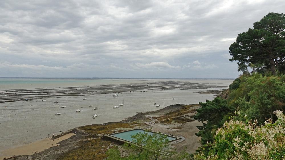 Vue des parcs à huîtres depuis le chemin des douaniers