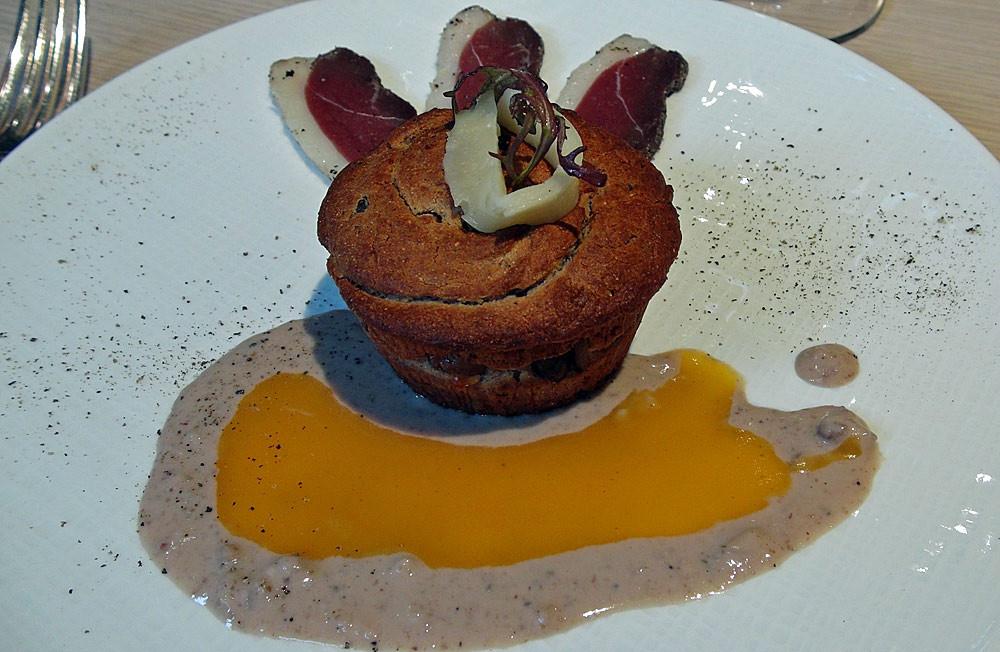 Petit gâteau chaud Castanéen au Moulis, magret de canard séché maison
