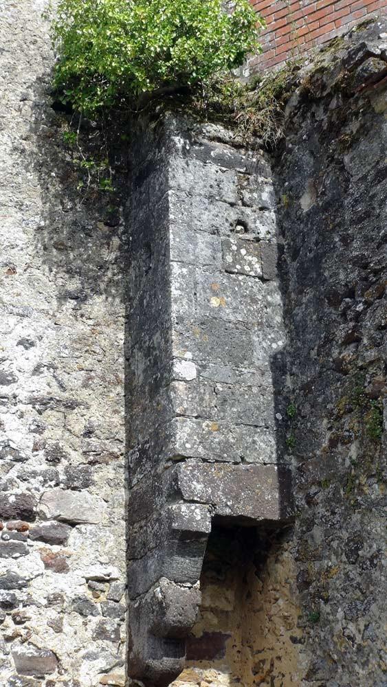 Les commodités située dans la tour d'enceinte