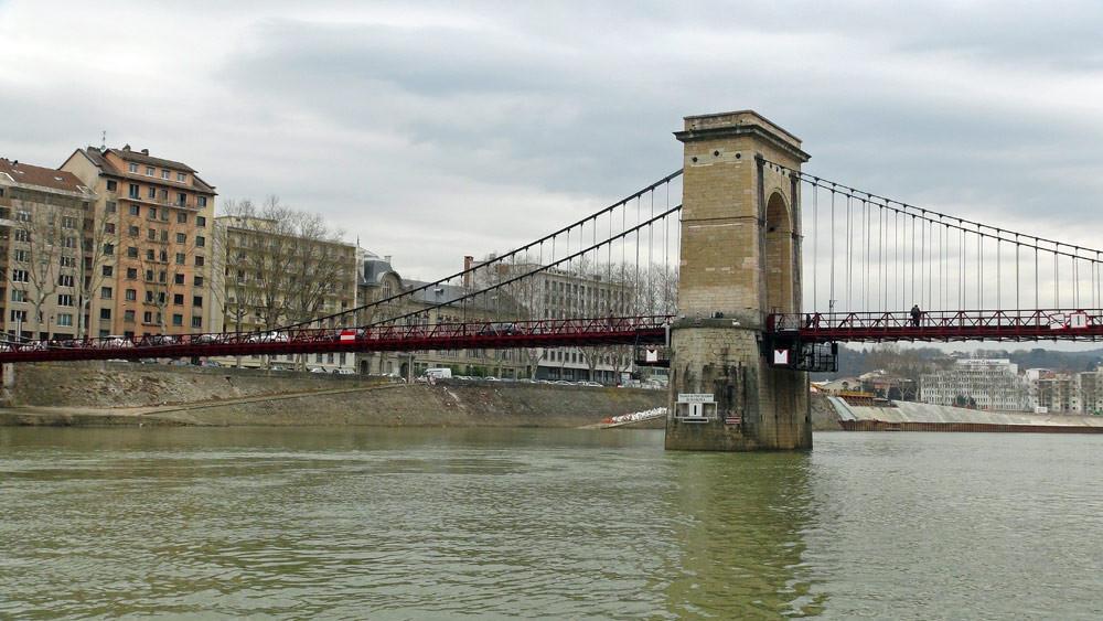 Balade sur la Saône : le pont Masaryk