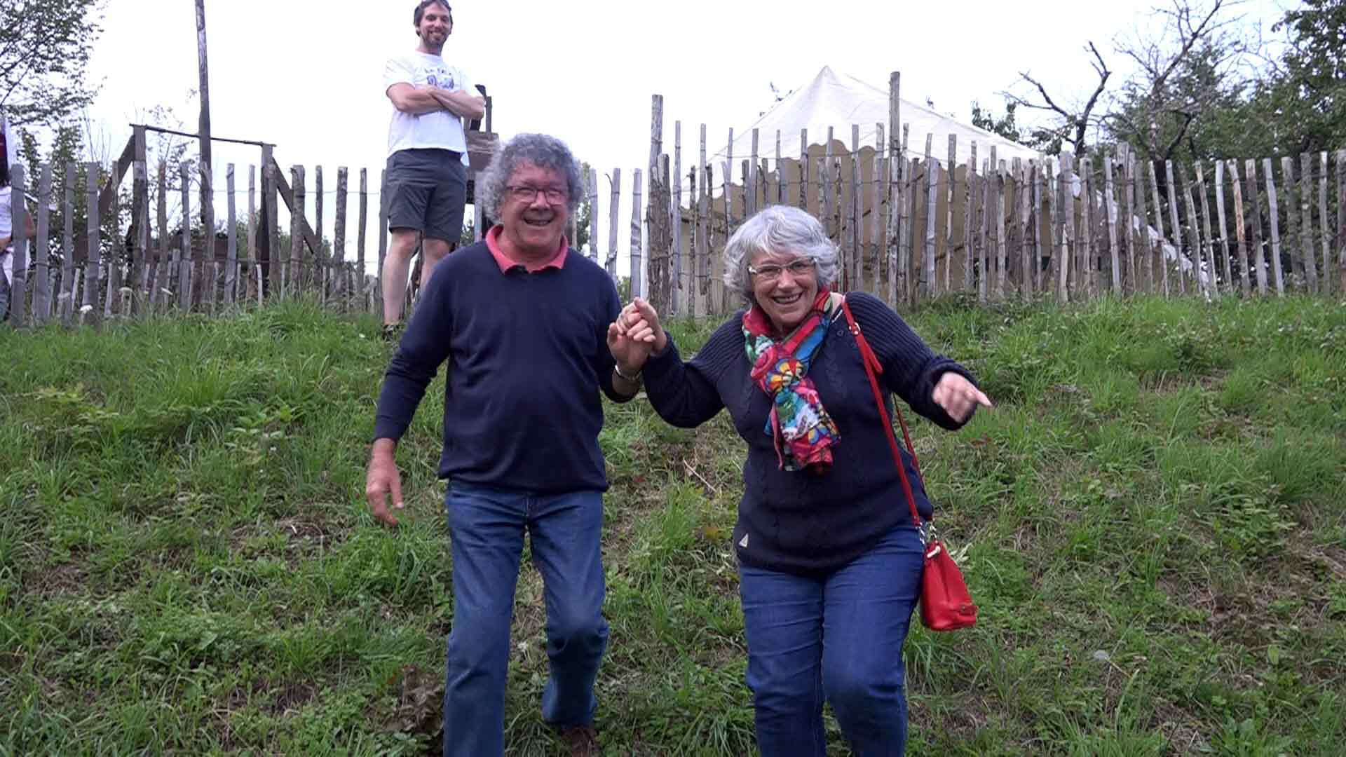 Marlène et Yvan, deux membres de l'ASPEL, et au fond, Romain