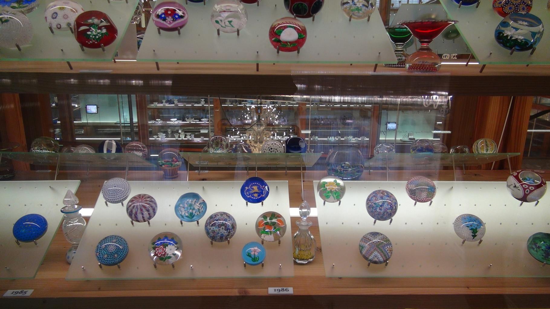 Articles en cristal exposés