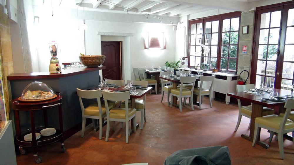 La salle (du fond à gauche)