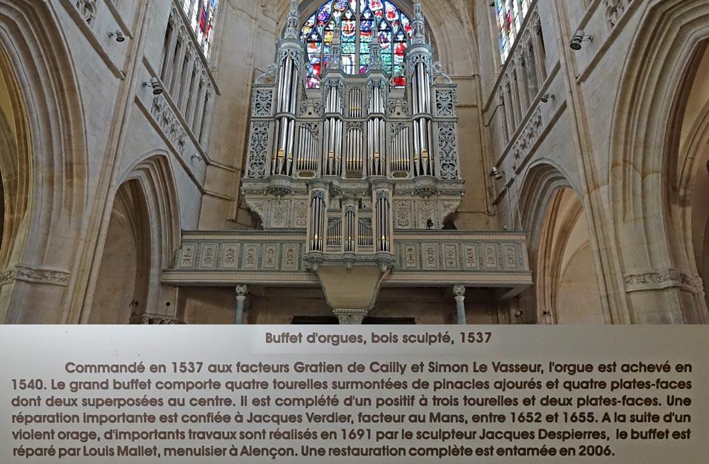 Le buffet d'orgues en bois sculpté (1537)