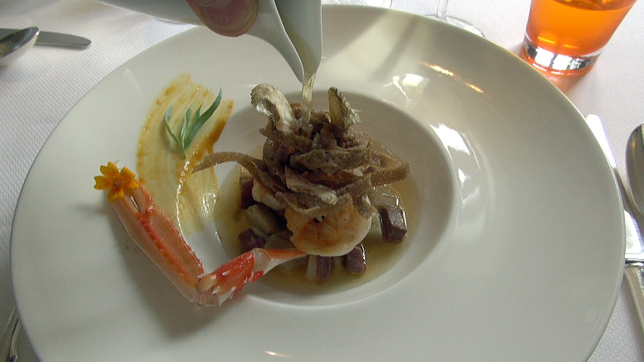 Langoustines rôties, foie gras et tagliatelles au blé noir