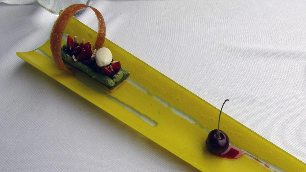 Crémeux pistache cerise, glace à la menthe