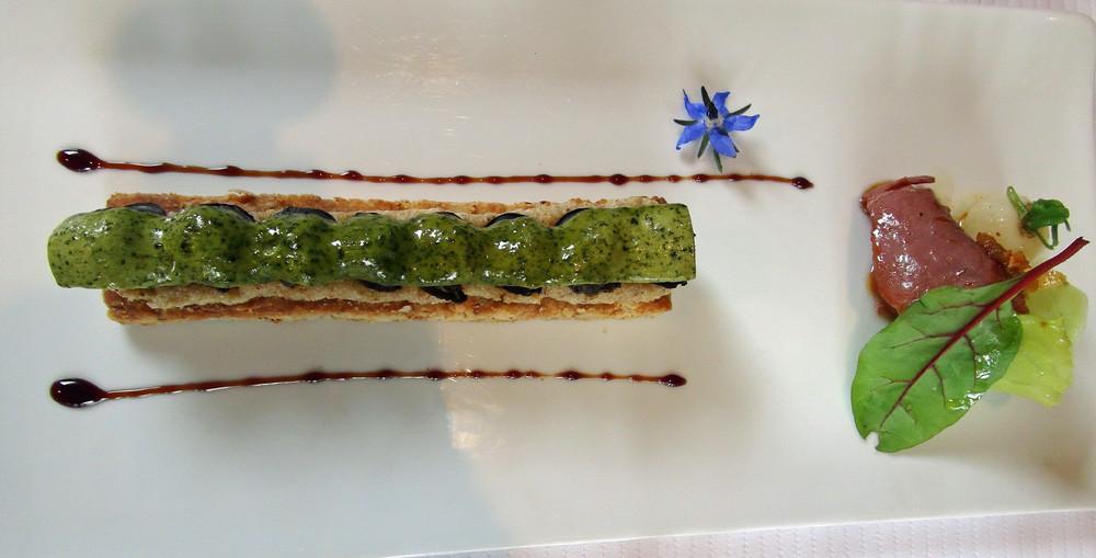 Escargots des Sarradelles & bourrache sur un sablé aux noix, crème d'amande & légumes légèrement aillés