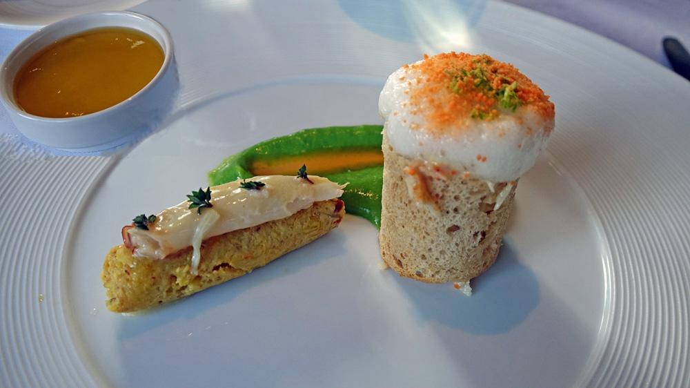 Tourteau frais décortiqué, crème de petits pois, pince au beurre de thym