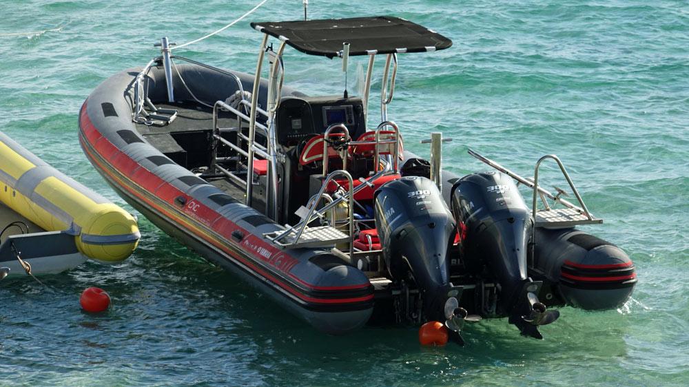Le bateau pneumatique et ses 2 moteurs Yamaha de 130 CV chacun