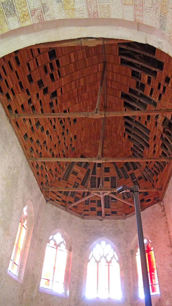 Prieuré Saint-Ayoul : plafond de la Chapelle rayonnante Charles de Refuge