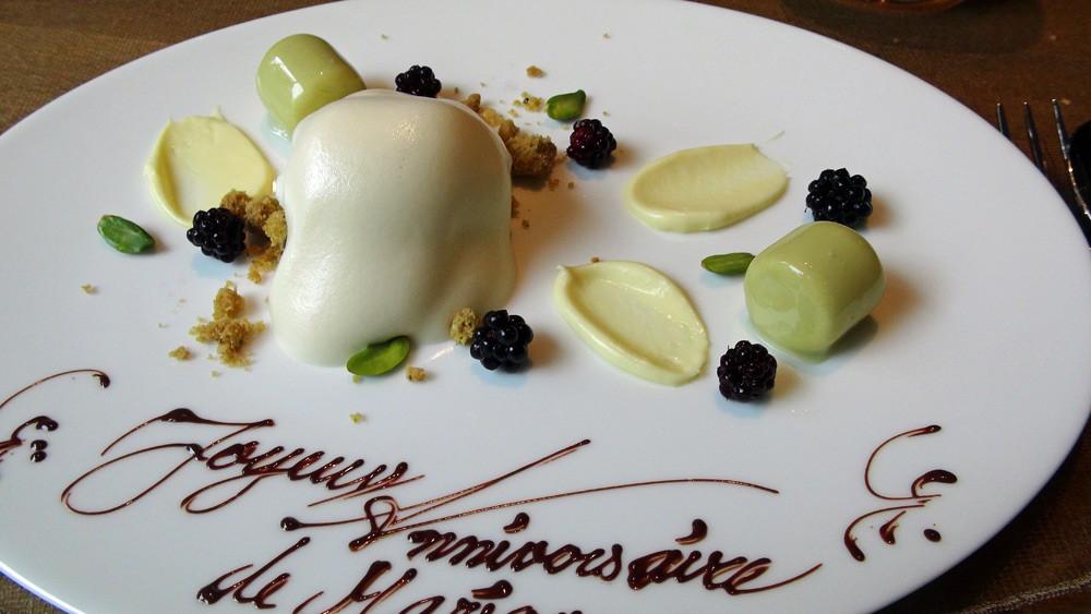 Pré dessert : Sorbet yaourt/gingembre/citron, mûres, crumble, sabayon à la Chartreuse