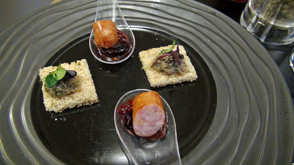 Saucisse fumée et confiture de raisin - Rillettes de sardines (?)