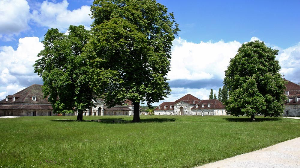 Arc-et-Senans, la cour intérieure