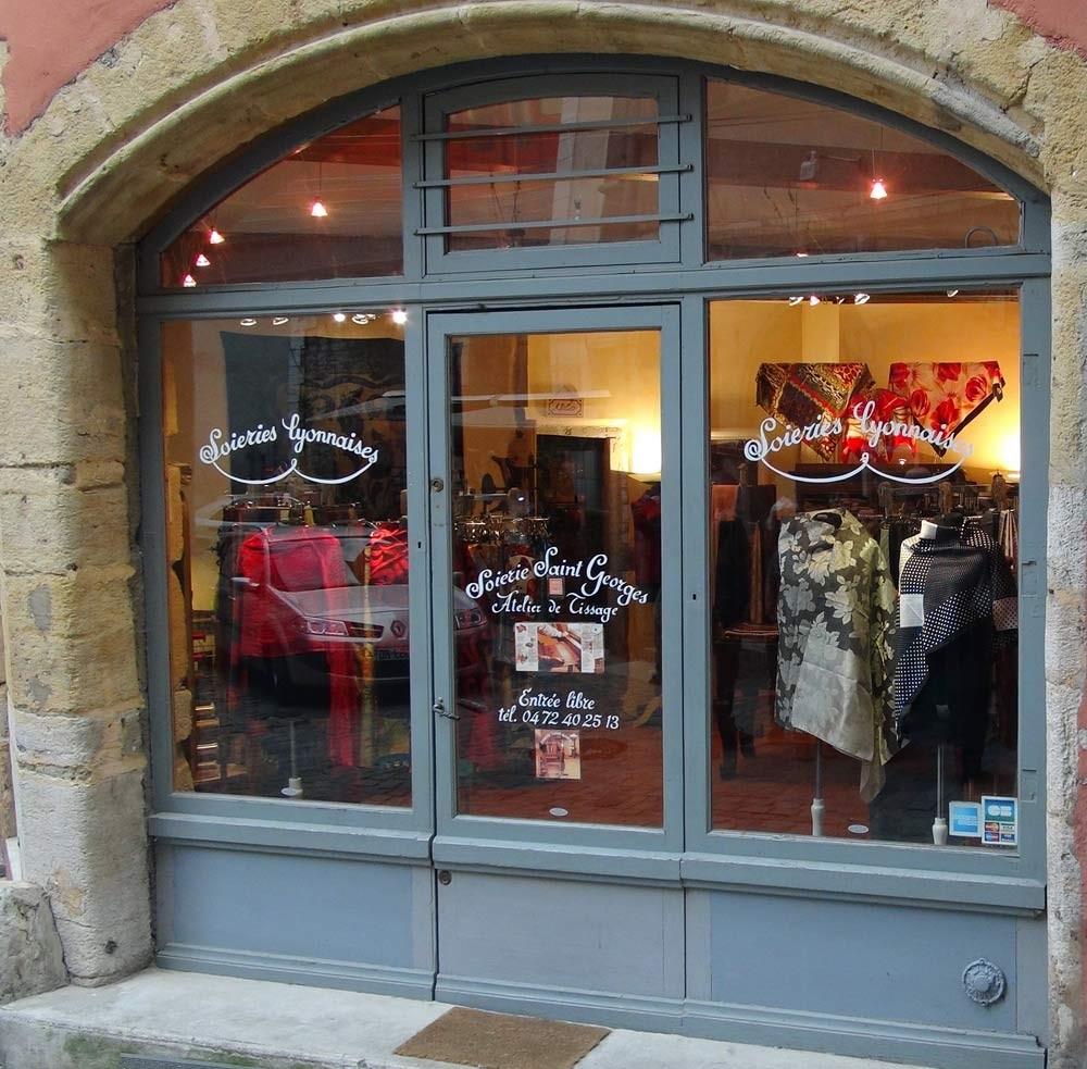Visite des Traboules : atelier de tissage à bras du XIX ème siècle encore en activité au 11 rue Mourguet