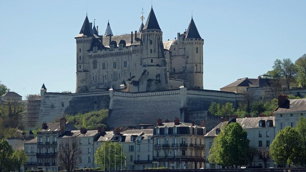 Le château de Saumur vu de la Loire