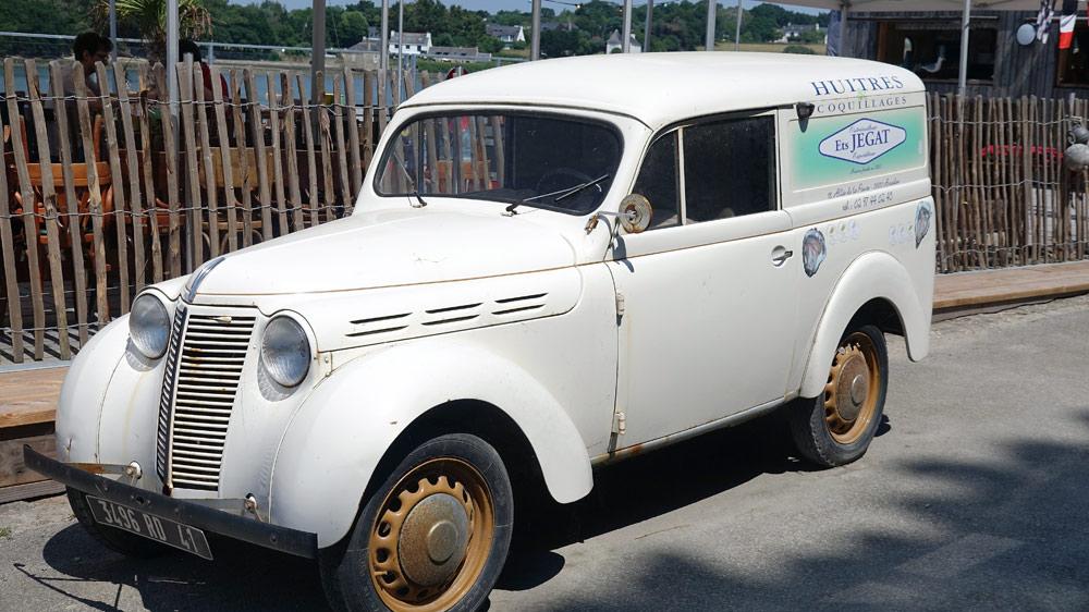 Renault Juvaquatre ... immatriculée dans le Loir et Cher !