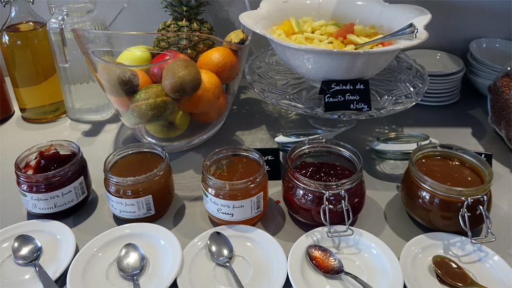 Confitures et fruits frais
