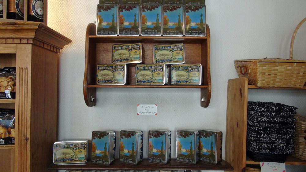 """Boîtes de """"Sucre d'Orge des Religieuses de Moret"""