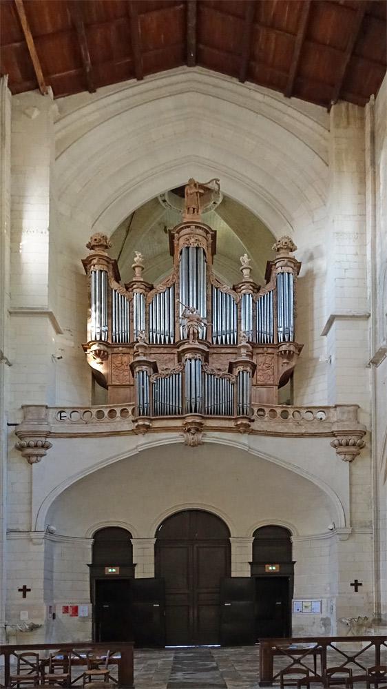 L'orgue de la athédrale Saint-Pierre à Saintes