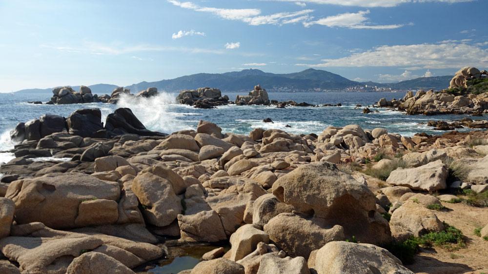 A proximité de la plage d'Isolella