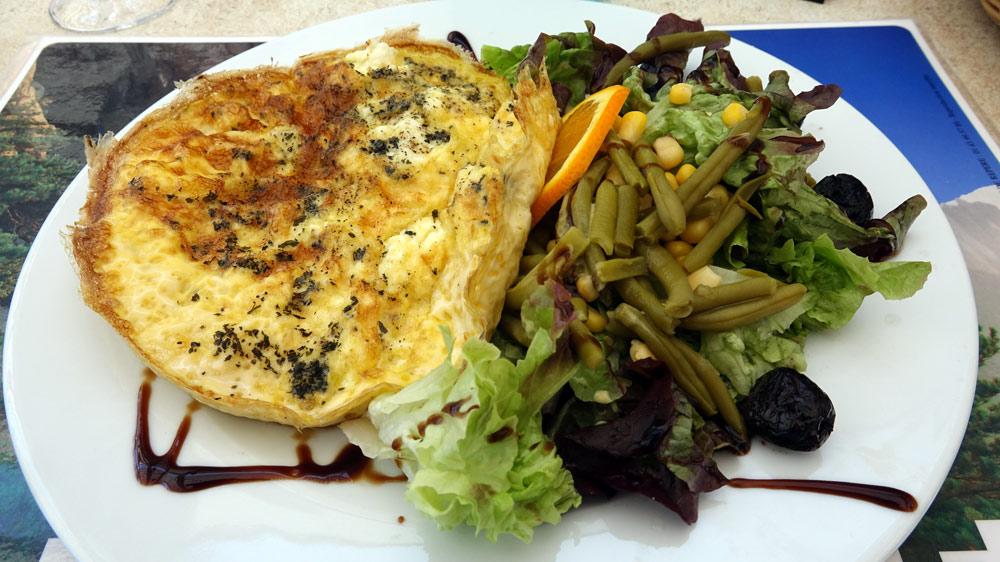 Omelette au bruccio et à la menthe