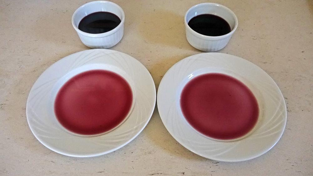 Le résultat colorimétrique : à gauche avec uniquement les pétales - à droite avec les pétales et les tiges