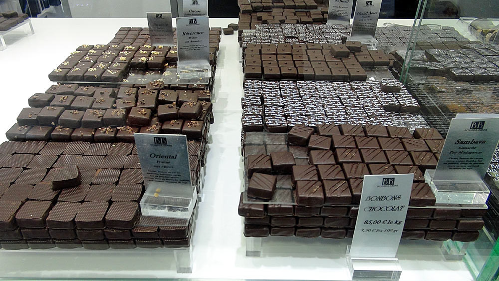 Chocolats noirs (ganaches & pralinés)