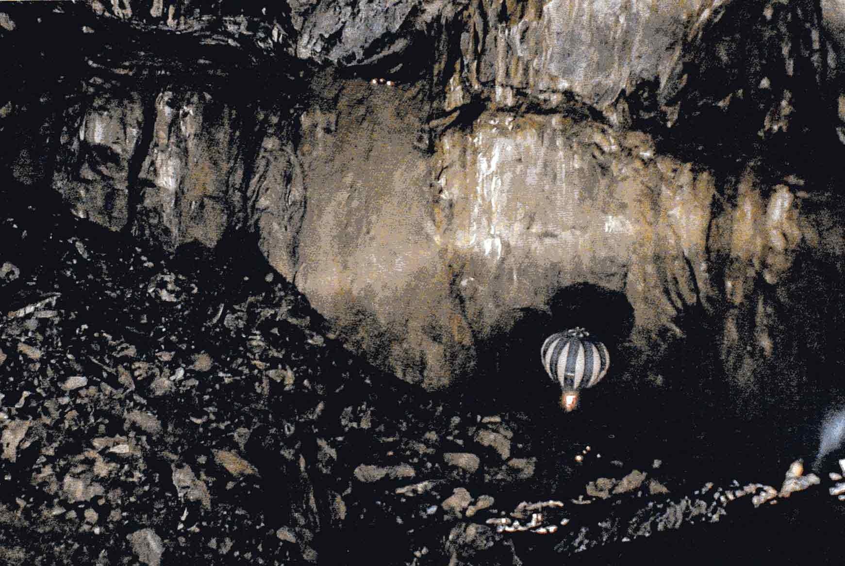 Vol d'une montgolfière fait en mars 2003 - Crédit photo : Editions Arsip