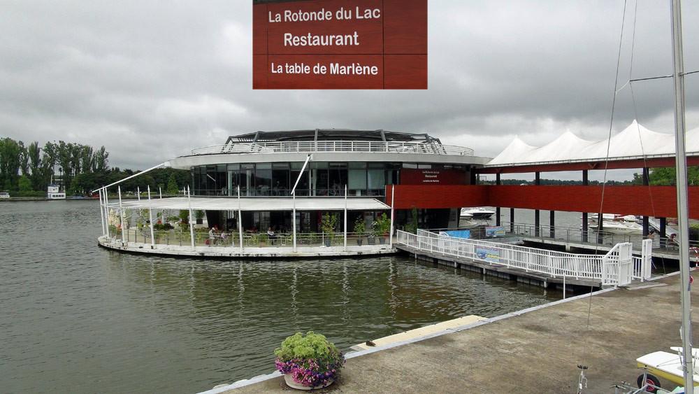 La Table de Marlène vue du quai