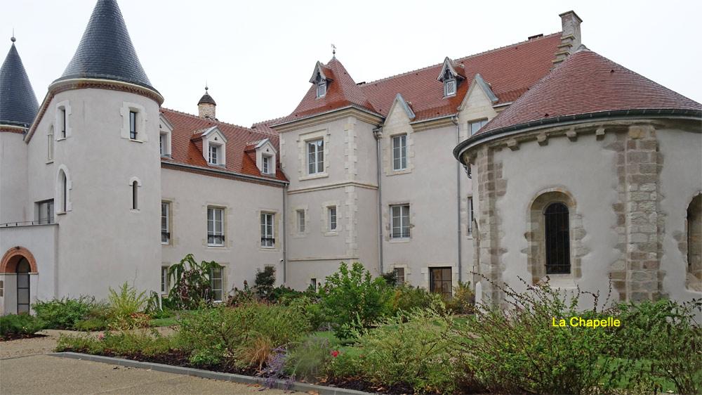 Vue d'ensemble du château Saint-Jean