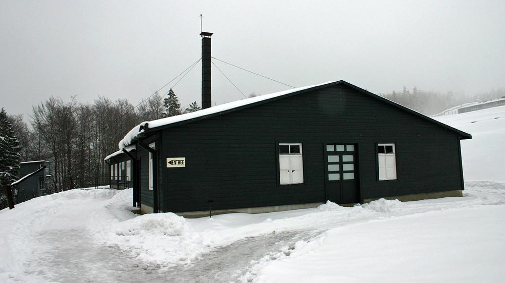 Le bâtiment du four crématoire (sous un autre angle) - 25 mars 2007