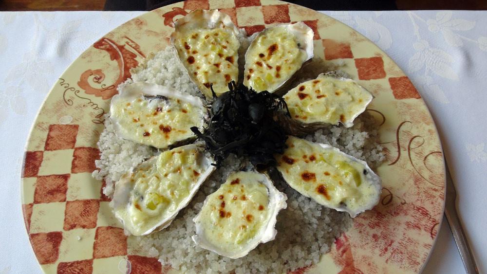 Les 7 huîtres chaudes de Paimpol au cidre et aux poireaux