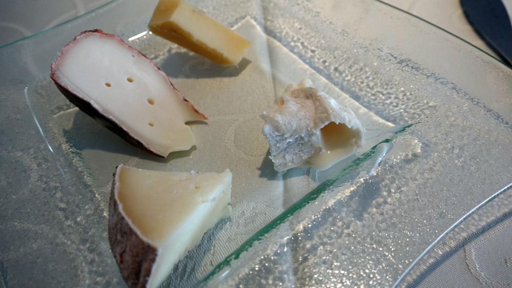 Mes fromages : Cantal vieux - ? - Tomme de brebis - Pavin (fromage pasteurisé !)