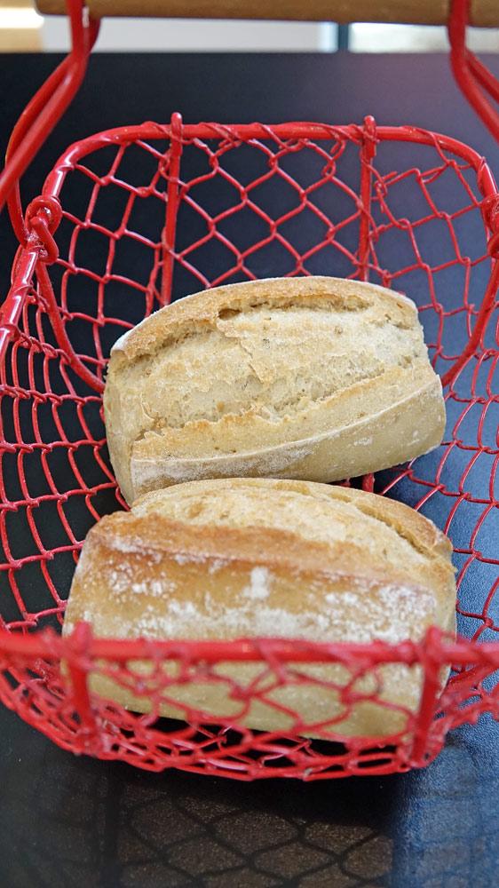"Les petits pains de ""Secrets de pains"" qui manquent un peu de cuisson"