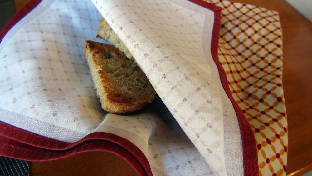 Pain de campagne toasté pour le foie gras d'oie
