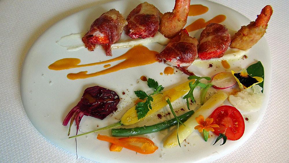 Bonbons de homard bleu au jambon Ibérico