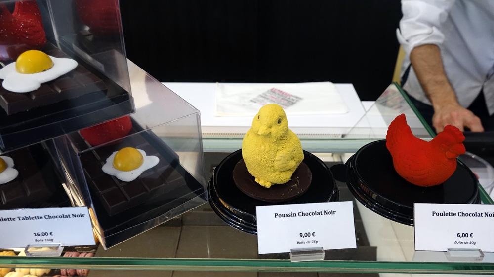 Sujets de Pâques : Poussin et Poulette en chocolat noir
