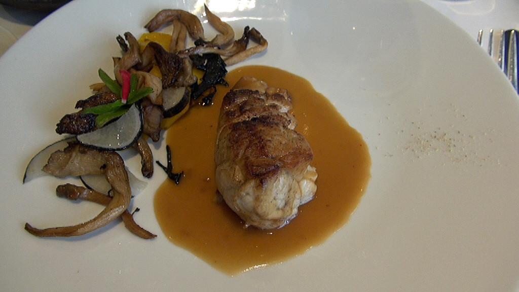 Le ris de veau doré en casserole, jus de veau, purée de pommes de terre Uto à l'andouille bretonne