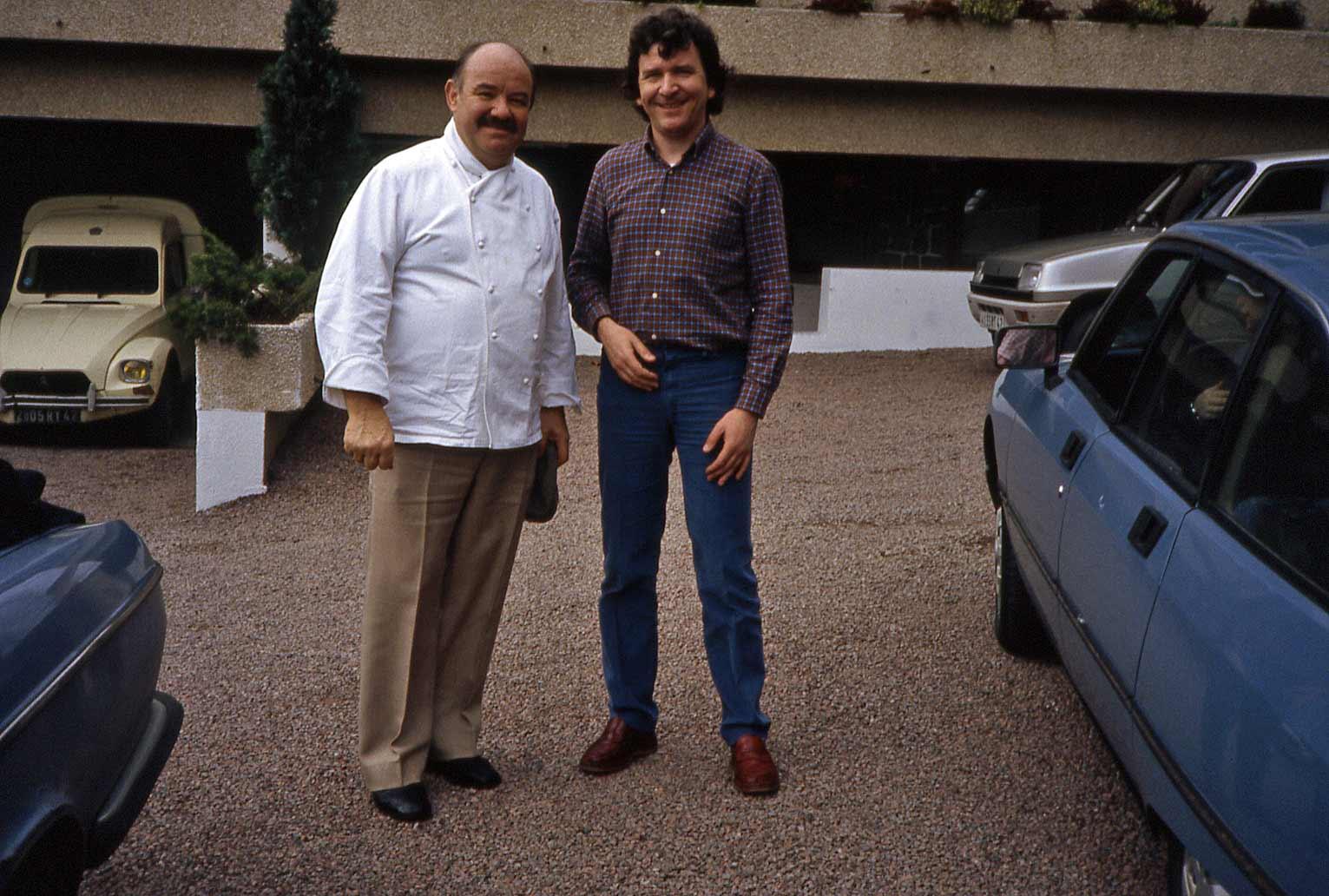 Pierre Troisgros de retour du marché - 8 avril 1983 vers 9 heures