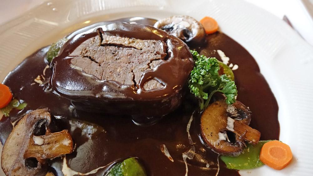 Lièvre à la Royale (Français)Façon Bon Terroir (ce plat à un suplément de 3,00€)