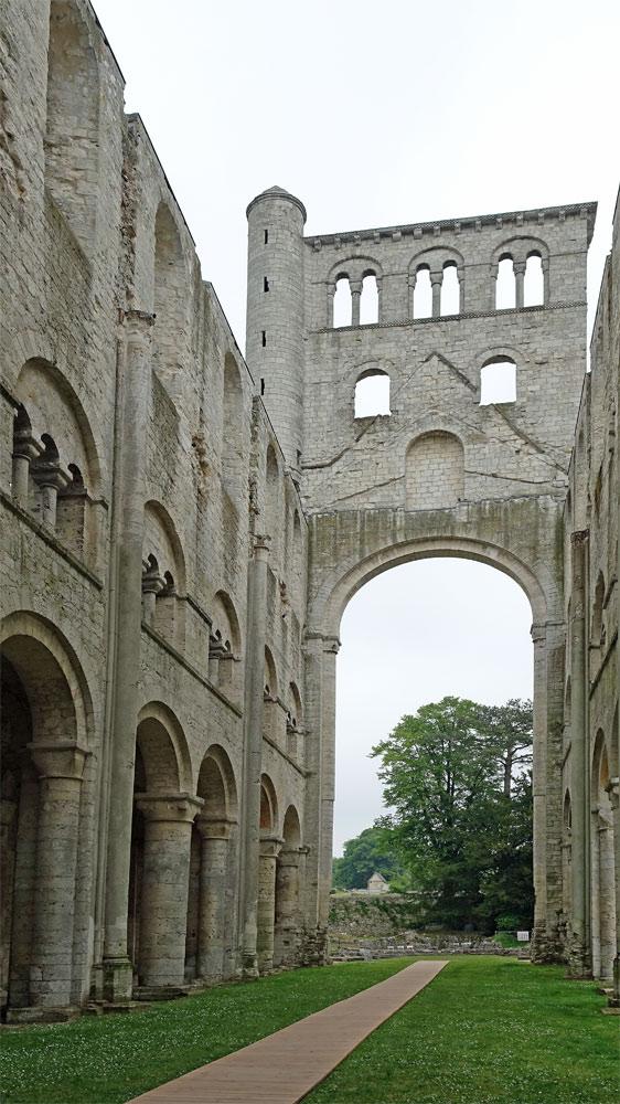 La nef de l'église Notre-Dame