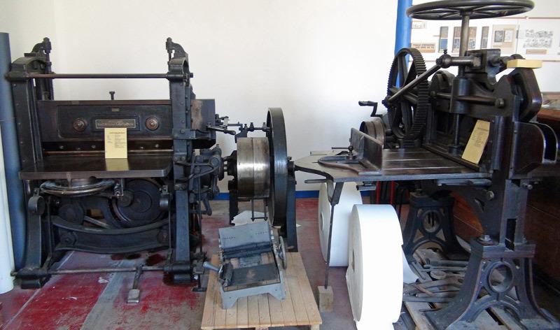 Coupe papier mécanique