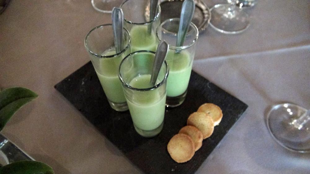 Amuse-bouche : Rillettes de saumon (déjà mangées !)- Concombre à la menthe - Sablé parmesan