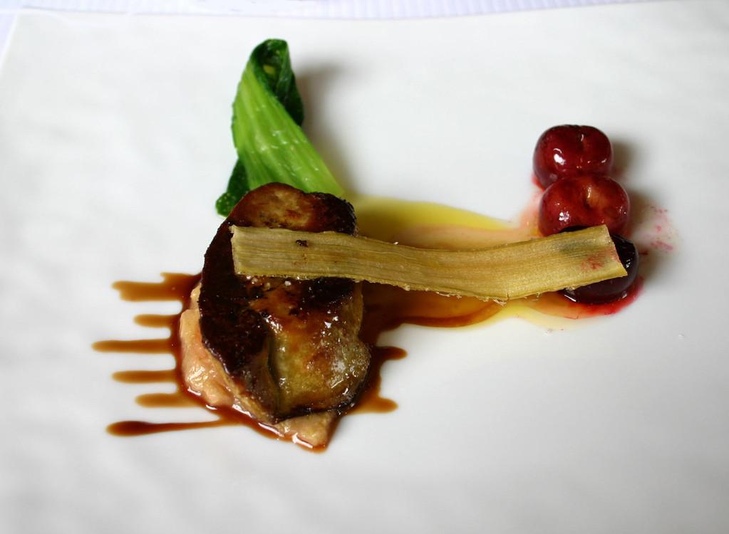 Foie gras grillé & rhubarbe gingembre