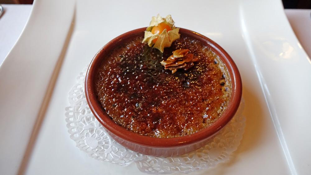 Crème Brûlée au Thé Noir Caramélisée au Sucre Roux
