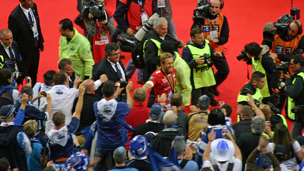 Jonny Wilkinson salue les supporters castrais