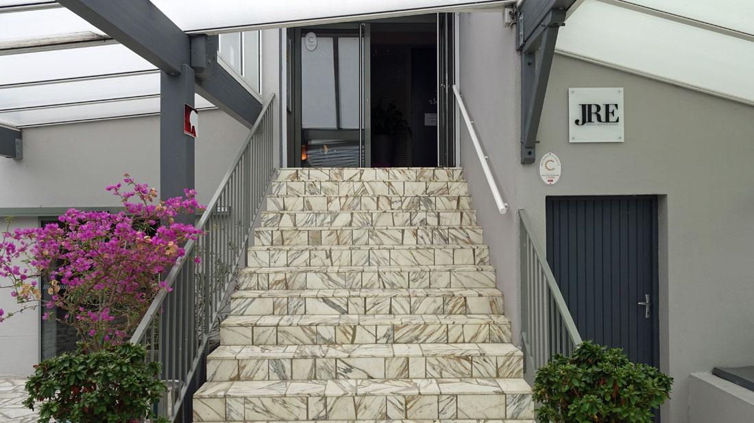 L'escalier d'accès à la salle de restaurant