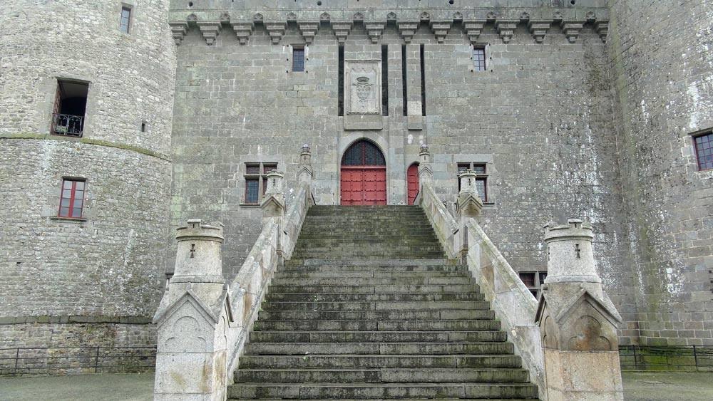 Escalier refai par Viollet-Leduc
