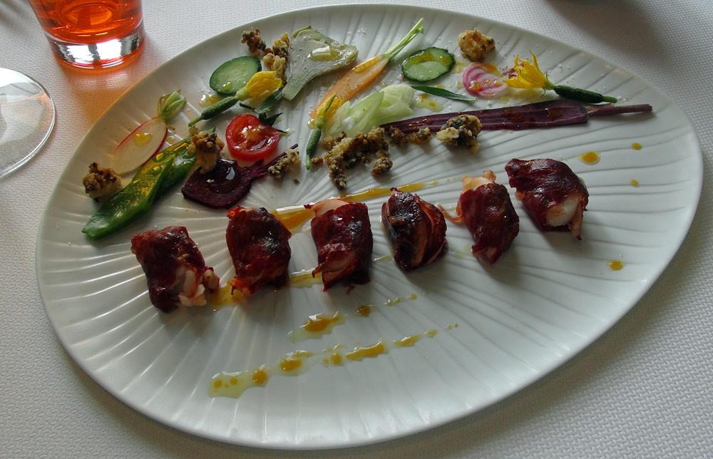 Patience (Bonbons de homard au jambon Ibérico escortés de quelques légumes)